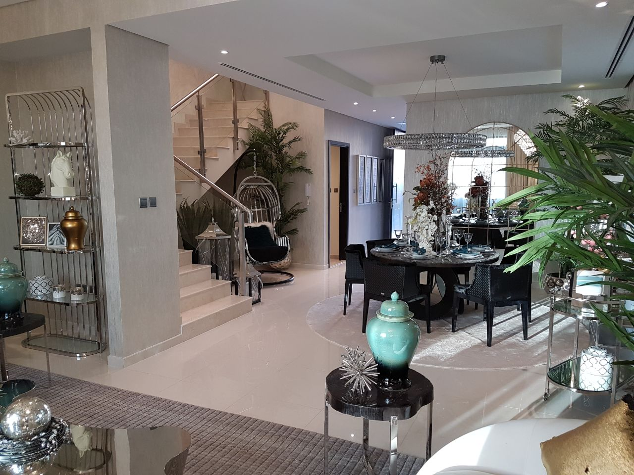 3 beds Villa in Dubai with $273,000 only!!